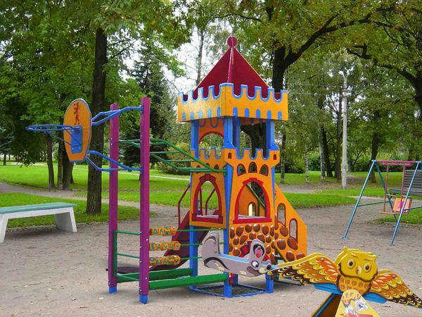 Батуты и детские площадки – семейный отдых со спортивным уклоном