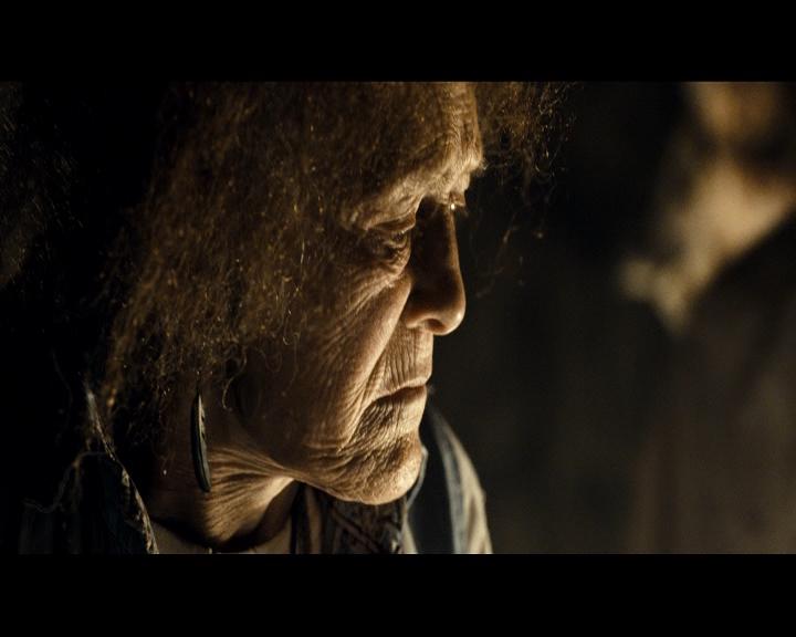 �������� ��������: ������ ����� / Evil Dead (2013) DVD5