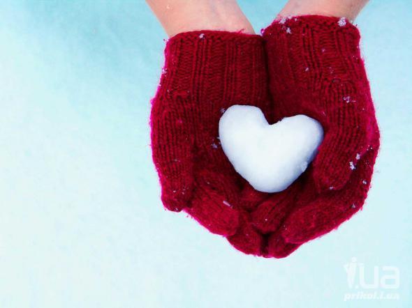 Снега сердца рисуют