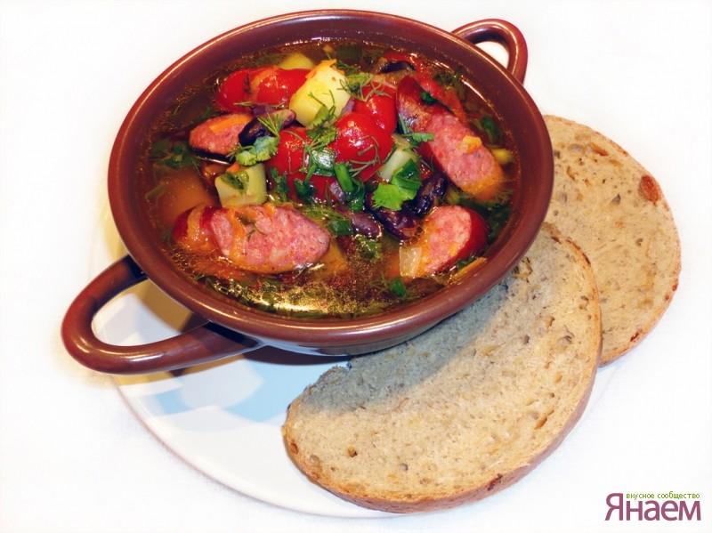 Суп с плавленным сыром и колбасками охотничьими рецепт с пошагово в